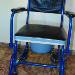 Μεταχειρισμένο αναπηρικό καροτσάκι με δοχείο