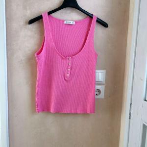 Γυναικείο αμάνικο ροζ μπλουζάκι