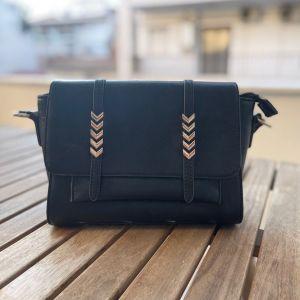 Δερματινι μαύρη τσάντα χιαστι-ωμου