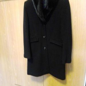 Παλτό μαύρο διαχρονικό ολοκαίνουργιο με γούνα στον γιακά που αφαιρείται