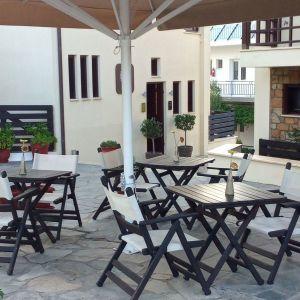Καρέκλες Ξύλινες Πτυσόμενες τύπου Νάξου - ΗΛΕΚΤΡΑ Ε99 +   Τραπέζια Ξύλινα - ΗΛΕΚΤΡΑ Τ110