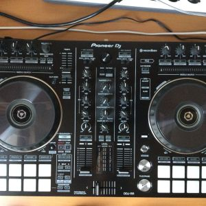 Pioneer DJ controller DDJ-RR