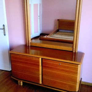 Τουαλέτα κρεβατοκάμαρας
