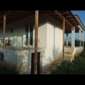 Σπίτι στο Κιάτο με 2,5 στρέμματα οικόπεδο