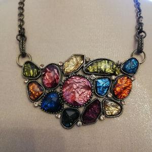 εντυπωσιακό κολιε faux bijoux σε άριστη κατάσταση, υψηλής ποιότητας