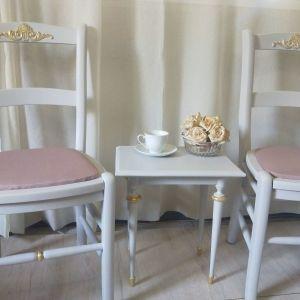 Σετ 2 καρέκλες με τραπεζάκι