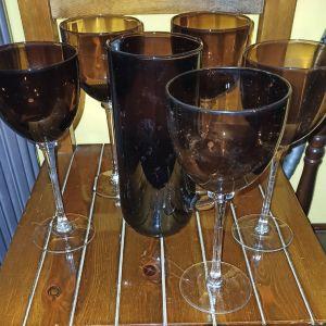 Κανάτα με 5 ποτήρια κρασιού