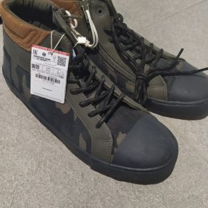 ZARA Kids Boots Brand new 38/39 size label on