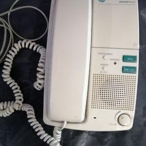 Σταθερό τηλέφωνο με τηλεφωνιτή.