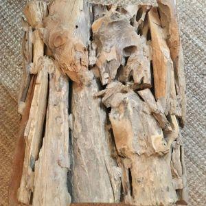Μοναδικό ξύλινο τραπεζάκι σκαμπό