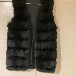 Γυναικείο γούνινο αμάνικο