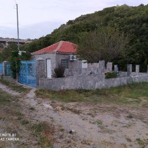 Πωλείται εξοχικό-μονοκατοικια στην περιοχη ΚΕΡΔΥΛΙΑ οικισμός Παλαιόκάστρου.