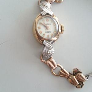 Χρυσό γυναικείο ρολόι χειρός