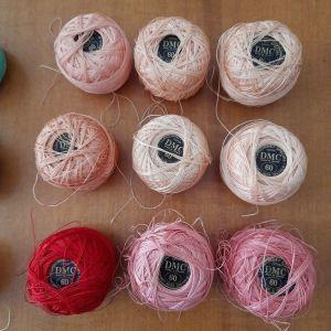 Kουβαράκια σε διάφορα χρώματα για πλέξιμο με βελονάκι DMC N60