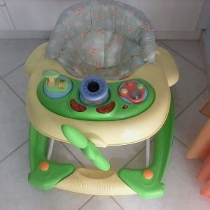 Περπατούρα ιδανική για τα πρώτα βήματα και τα παιχνίδια του μωρού