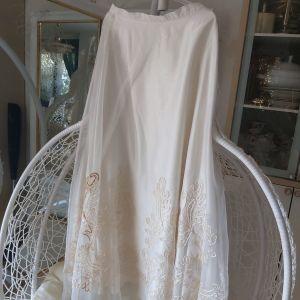 Πανέμορφη φούστα μακρη