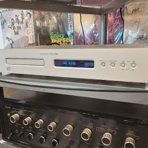 HIGH END  CD PLAYER  NAD  S - 500