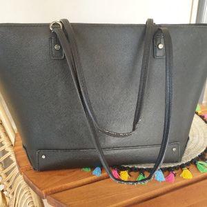 Τσάντα χειρός με φερμουαρ