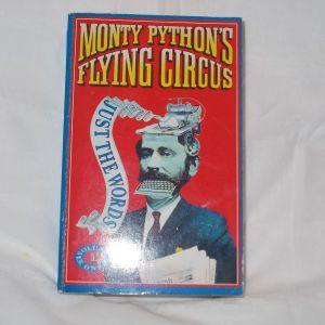 Βιβλίο MONTY RYTHONS τόμοι 1 + 2 μόνο τα λόγια