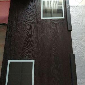 Τραπέζι σαλονιού με 2 συρτάρια σε κάθε πλευρά και 1 μικρό τραπεζάκι.