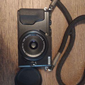 Fujifilm X70 compact camera.. πολύ καλή κατάσταση.