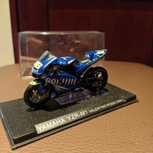 Yamaha M1 Valentino Rossi 1:43