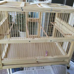 ξύλινο κλουβί καναρινιού