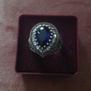 Δαχτυλίδι με ζαφείρια