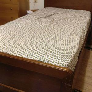 Ξύλινο μασιφ καρύδια μόνο κρεβάτι
