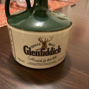 Single malt glenfiddich scotch whiskey