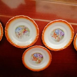 πορσελάνινα πιάτακια για σερβίρισμα γλυκού