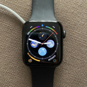 Apple Watch Series 5 44mm Space Gray