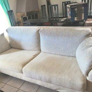 Πωλουνται μεταχειρισμένοι καναπέδες σαλονιού