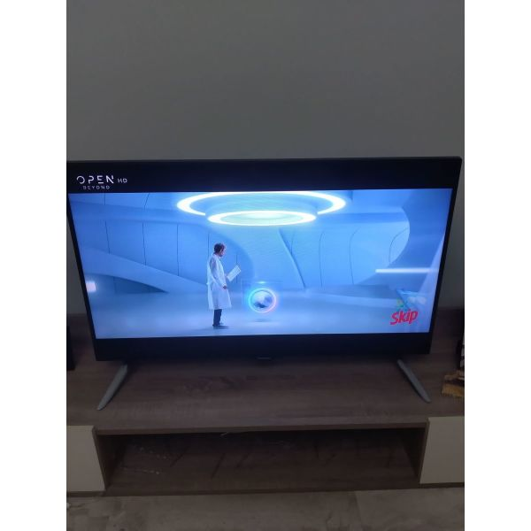 tileorasi Panasonic smart tv 40'