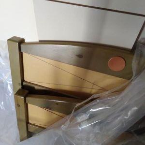 Μονό κρεβάτι χρησιμοποιημένο σε πολύ καλή κατάσταση με τάβλες