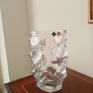 Κρυστάλλινο βάζο