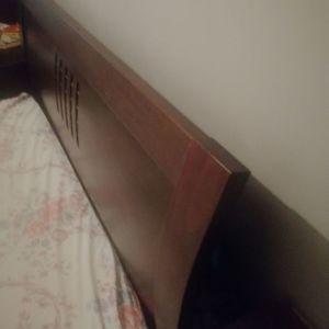 Κρεβάτι ξυλινο διπλό 1.60 επί 2.00