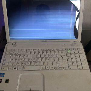 Toshiba laptop με σπασμένη οθόνη