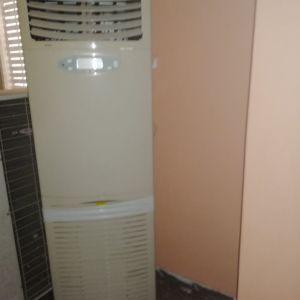 Aircondition ντουλάπα για επαγγελματική χρήση αρχικής αξίας 3.000 ευρώ
