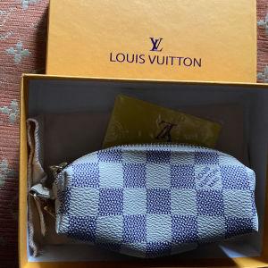 μπρελόκ -πορτοφολακι κερμάτων Louis Vuitton