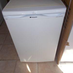 Ψυγείο μικρό συντήρησης Hotpoint AV21 0.84cm Α'