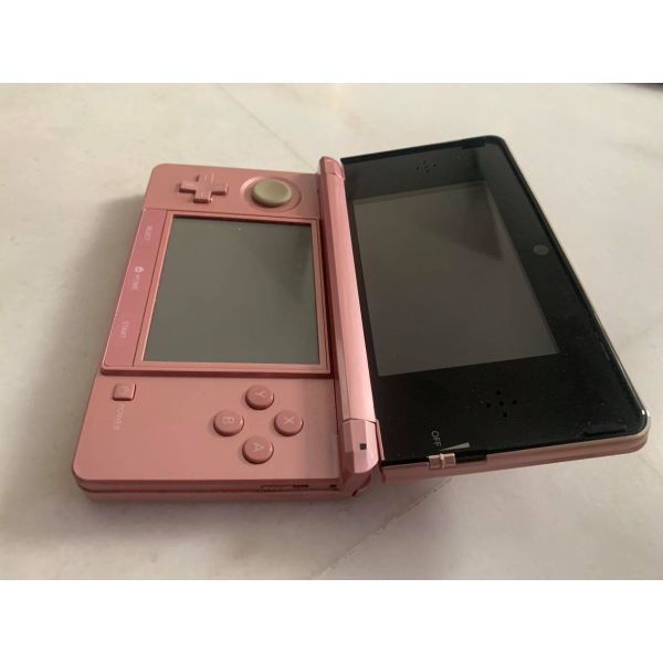 Nintedo 3DS, se aristi katastasi me kasetes pechnidion