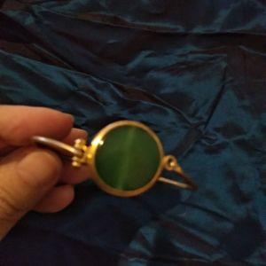 Χειροποίητο βραχιόλι,με πράσινη πέτρα