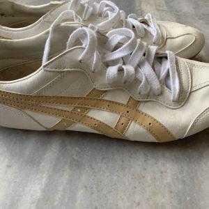 Παπούτσια acics tiger unisex 42