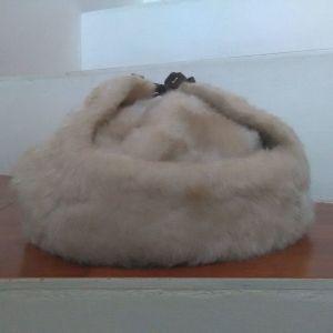 Γούνινο καπέλο