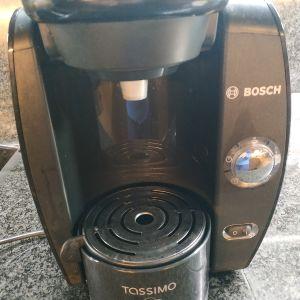 Καφετιέρα tassimo BOSCH , αχρησιμοποίητη σχεδόν!!!!