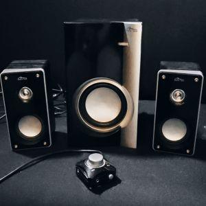 Πωλείται Ζευγάρι Ηχείων Με SubWoofer/Ενισχυτή και Volume Controler με Switch για Ακουστικά