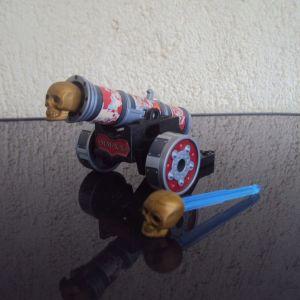 Playmobil.Μεγαλο Πειρατικο κανονι,με 2 οβιδες.