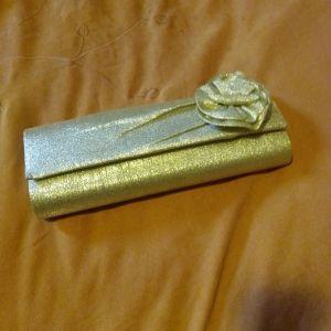 Τσαντάκι βραδυνό χρυσό φάκελος και λουράκι χρυσό
