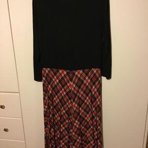 Φόρεμα νούμερο  48